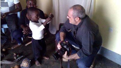 El mallorquín Jousi Barrionuevo expone sus fotografías en Kinshasa