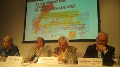 Andreu Manresa, segundo por la izquierda, en la asamblea del FOLC