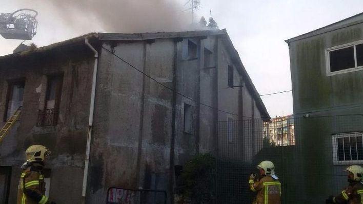 Cuatro muertos, entre ellos un adolescente y un bebé, en un incendio en Bilbao