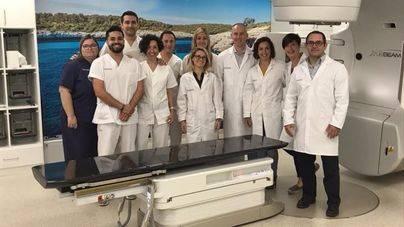El Hospital Juaneda adquiere un nuevo acelerador lineal que realiza la radioterapia con mayor precisión