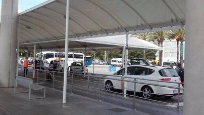 La presencia de inspectores ahuyenta a los taxis pirata del aeropuerto de Palma
