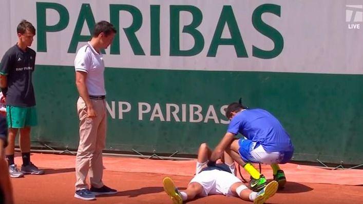 Del Potro consuela a Almagro tras derrumbarse en Roland Garros