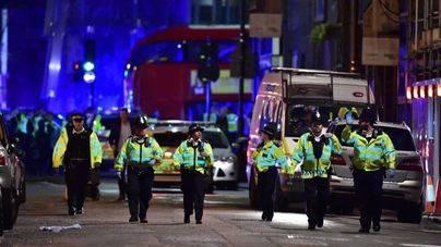 Doble atentado en Londres: atropello múltiple y apuñalamientos