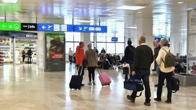 Los turistas extranjeros gastaron 1.453 millones de euros hasta abril, un 12,8 por ciento más