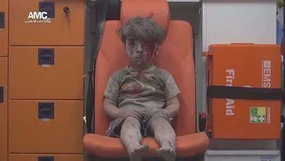 La nueva vida de Omar, el niño que se convirtió en símbolo del dolor sirio