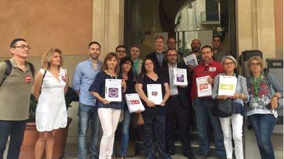 Los sindicatos entregan 7.000 firmas exigiendo la gratuidad del parking de Son Espases