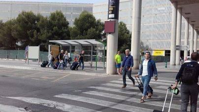 Cort reclama a Aena que restituya el aparcamiento gratuito en el aeropuerto de Palma
