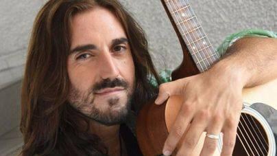 El cantautor Andrés Suárez firma su nuevo disco en El Corte Inglés