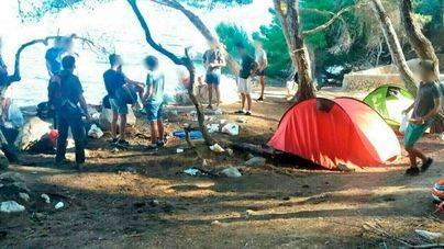 Multas a 28 tiendas de campaña sin permiso en Llucalcari y Lloret