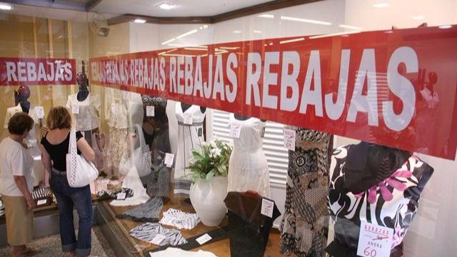 La campaña de rebajas de verano generará 1.300 empleos en Balears