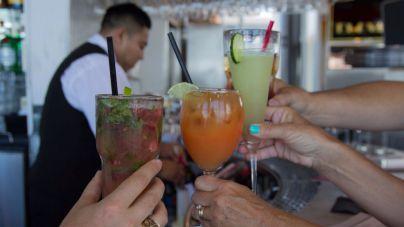 Un matrimonio británico denuncia una intoxicación en un hotel después de consumir 109 bebidas