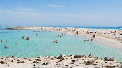 El ministro Nadal dice que España está cerca de desbancar a Francia como primera potencia turística