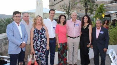 El presidente de Aviba, Antoni Abrines, con miembros del sector empresarial balear