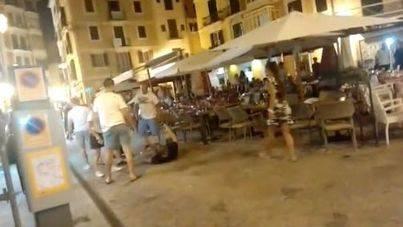 Pelea entre turistas en la céntrica plaza de'n Coll de Palma