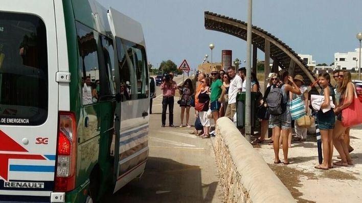 El bus lanzadera entre Sa Ràpita y Es Trenc vuelve a funcionar con un precio de 1,5 euros