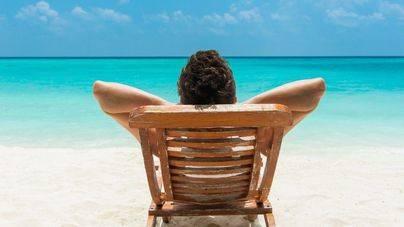 Más de 2,5 millones de españoles pagan a plazos sus vacaciones de verano