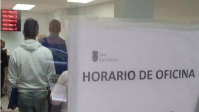 La temporada alta reduce el paro un 16% hasta 38.866 desempleados