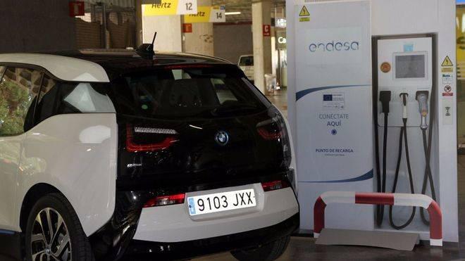 Proa Rent a Car suma 25 vehículos eléctricos de alquiler
