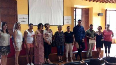 Seis alumnos de Son Banya reciben un diploma por finalizar sus cursos