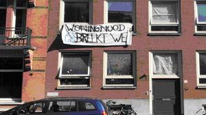 Ocupan el piso de la jefa de Booking.com en protesta por el alquiler vacacional