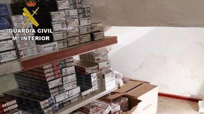 La Guardia Civil interviene más de 3000 cajetillas de tabaco en un almacén de Port d'Alcúdia