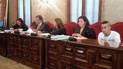 El jurado considera culpable al joven acusado de matar a su pareja en Son Servera tras admitir que la asfixió