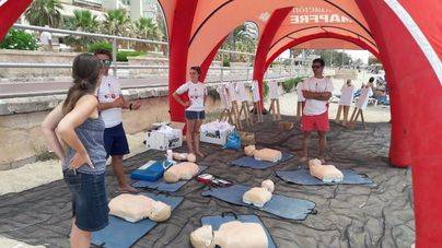 Socorristas imparten jornadas para prevenir los ahogamientos en la playa