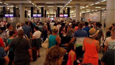 Los aeropuertos de Balears reciben a 945.027 pasajeros el fin de semana