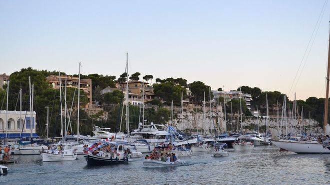 La tradición marinera de Porto Cristo sale a navegar el día del Carmen