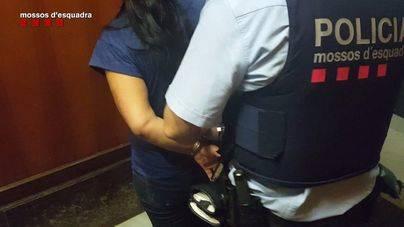 Detenida una banda que robaba a turistas fingiendo ser policías en Barcelona