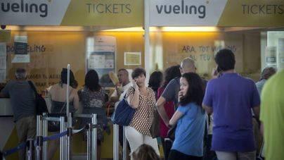 El Govern multa a Vueling con 340.000 euros por los retrasos y cancelaciones masivas en 2016