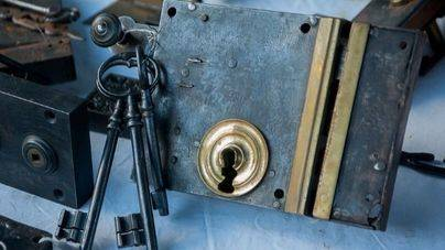9 trucos para que los ladrones no hagan su 'agosto' en casa