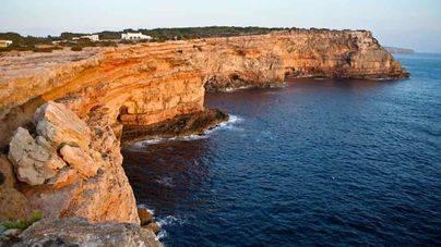 Herido un joven tras precipitarse desde un acantilado de Formentera
