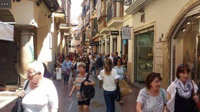 Calles llenas pero las ventas no van disparadas