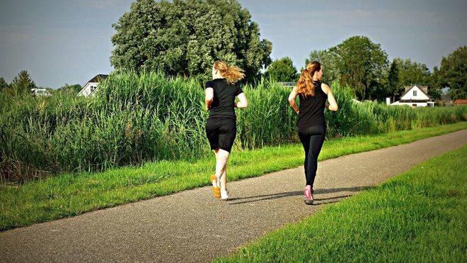 Correr sólo un minuto al día mejora la salud de los huesos de las mujeres