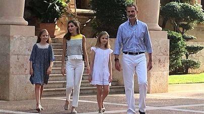 La Familia Real protagoniza el tradicional posado veraniego en Marivent