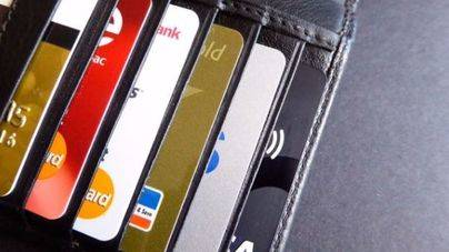 Cómo comparar entre distintas tarjetas de débito