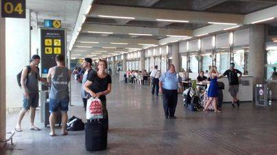 Medio millón de personas pasarán por el Aeropuerto de Palma entre el viernes y el domingo