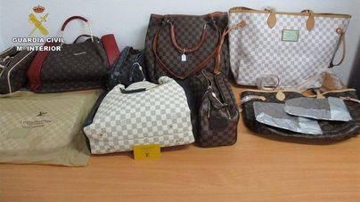 Detenido un hombre 63 años por vender artículos falsos