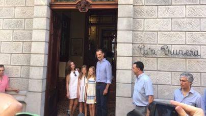 Los Reyes y sus hijas, de visita cultural en Sóller