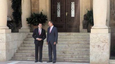 Rajoy sufre un ataque de lumbalgia y retrasa dos horas la reunión prevista con el Rey