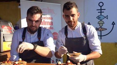 El chef Felipe Moreno deleita en el showcooking de Trasmediterranea