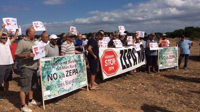 Protesta de los cazadores contra la ley de protección animal: