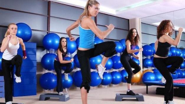 Las mujeres de entre 25 y los 34 años son las que más ejercicio practican