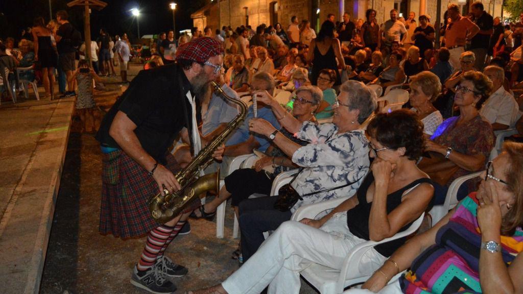 Cinco restaurantes participan en la Feria Nocturna de Sant Llorenç