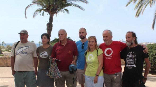 Miembros de Nabu, Amics de la Terra y el GOB