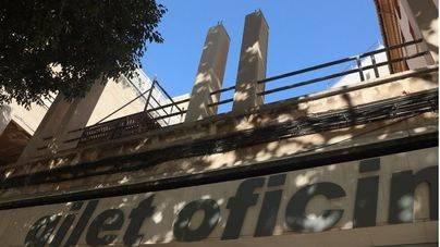 El edificio está ubicado en la esquina de Avenidas con calle Jesús