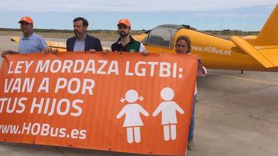 Valores en Baleares asegura que el helicóptero de Hazte Oír volará sobre Palma este mes