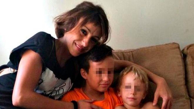 La jueza obliga a Juana Rivas a entregar a sus hijos al padre el próximo lunes