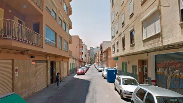 Dos detenidos por distribuir marihuana a otros traficantes en un local abandonado de Palma